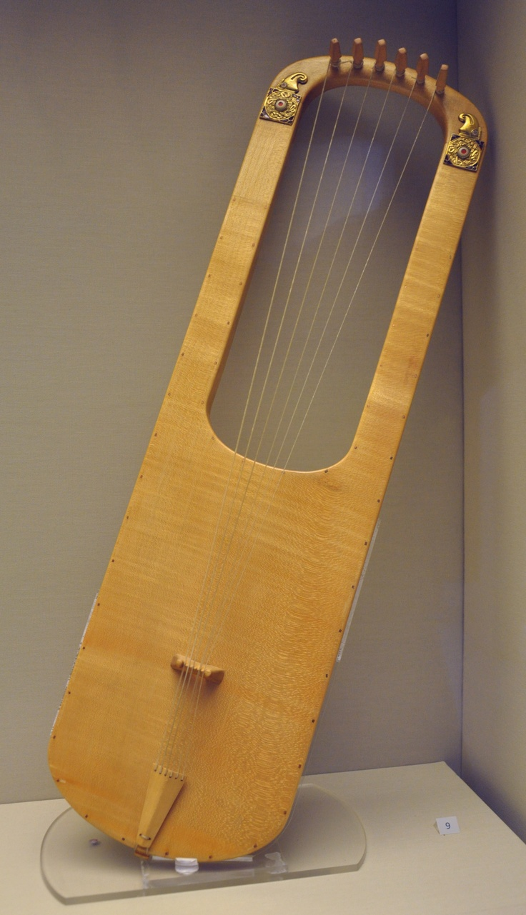 Sutton Hoo lyre reconstruction. it's not a lyre. it's a crwth. sound box is constructed differently.