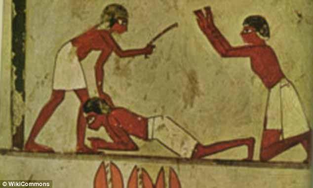 Antik Mısır Mezarlığında Vahşi Cezaların İzlerine Rastlandı   http://www.nouvart.net/antik-misir-mezarliginda-vahsi-cezalarin-izlerine-rastlandi/