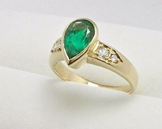 Colombian Emerald Dia. Ring 1.51 Ct Pear Shape 18K Y Gold Size 7.5 US Fine Muzo  #CiCeRi #SolitairewithDiamondAccents #Engagement