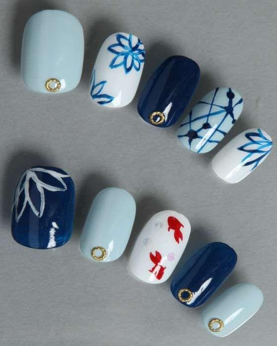 デザインネイルチップ・つけ爪ゆずネイル|ネイルチップ ホワイト 薄ブルー 濃ブルー マルチ 動物 花 夏 浴衣 (A01321-R-NBWHLAG)の販売|ゆずネイル公式通販