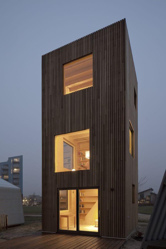 Gallery Of Micro House Slim Fit Ana Rocha Architecture 11 Duurzame Architectuur Micro House Architectuur