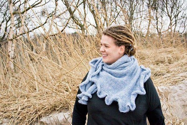 """Und nicht nur das. Das federleichte Tuch """"Hamburg Calling"""" von Verena Bahls haben wir für euch zweisprachig aufgebaut. Um die Mär, englische Anleitungen seien schwer verständlich, zu entkräften."""