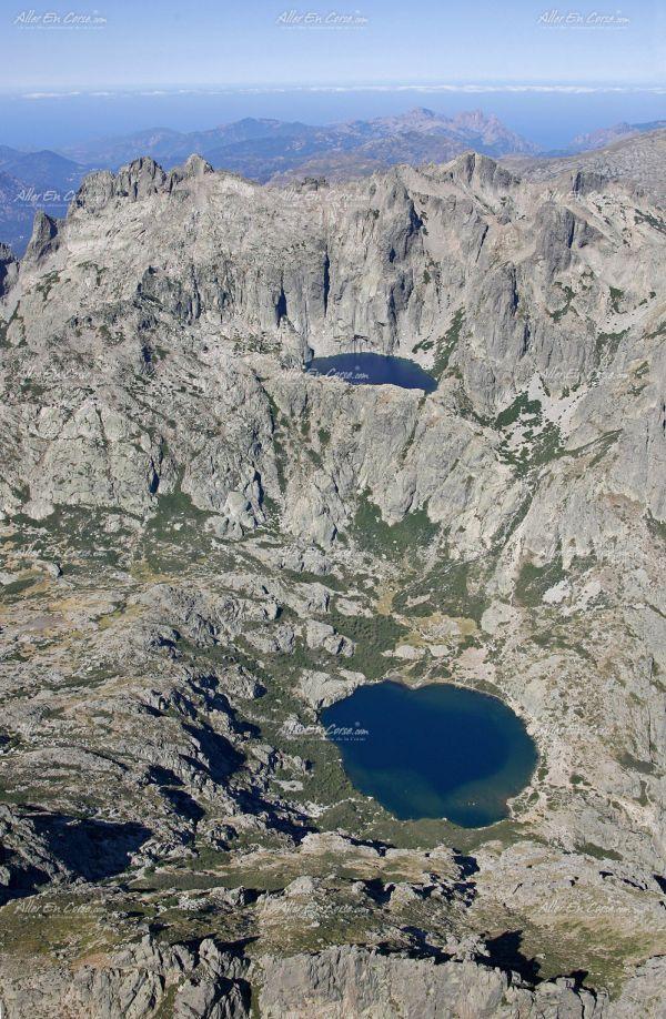Les reliefs de la Corse vue du ciel ! #paysage #landscape #view https://www.hotelscombined.fr/Place/Reunion.htm?a_aid=150886