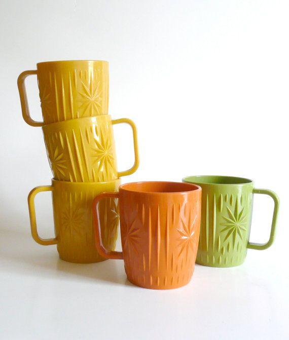Retro Mid Century Plastic MugsSet of 5 by AirFare on Etsy