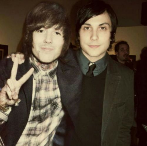 WHAT?! Frank and Oli! It's Perfect.... Oh my God...this is photoshopped right? this can't be real?!?!?