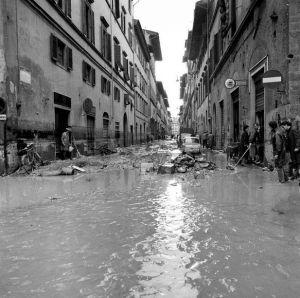Via Maggio 1966 florence disaster