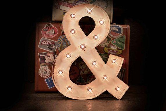 Lettre de renom, signe de texte défilant, éclairé métal MARQUEE signe, chapiteau des dispositifs d'éclairage : antique White Marquee et commercial « & » signe