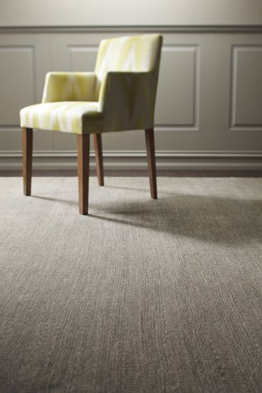 Mamluk - The simplicity of the Mamluk that makes it a stand-out. Its understated design with a precision weave using the finest hand-spun wool ensures a timeless piece.