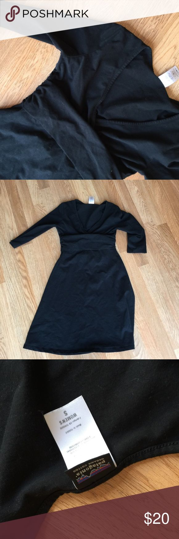 Patagonia dress Worn but in great shape super soft stretchy and comfortable Patagonia Dresses Midi