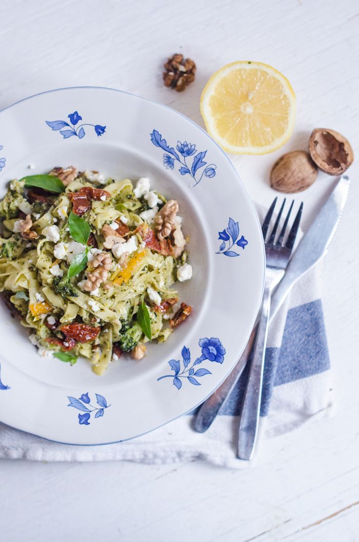-Pasta with lemon, feta cheese and pesto
