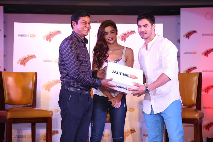 "Gorgeous Alia Bhatt and Dashing Varun Dhawan at the Exclusive Launch for the ""Humpty Sharma Ki Dulhaniya"" Collection at Jabong.com."