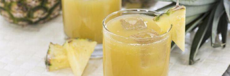 Het zal je waarschijnlijk verrassen als je hoort dat zelfs simpel ananassap tot 500 keer efficiënter is dan je gebruikelijke hoestsiroop.En toch is het zo.  Verse ananas bevat een s