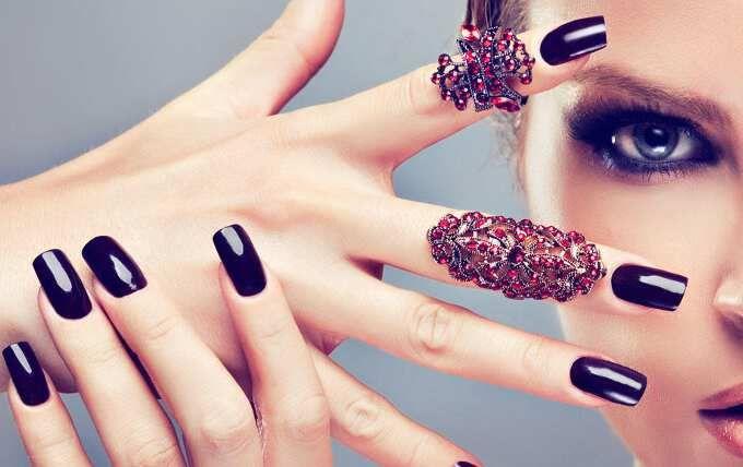 модный цвет ногтей