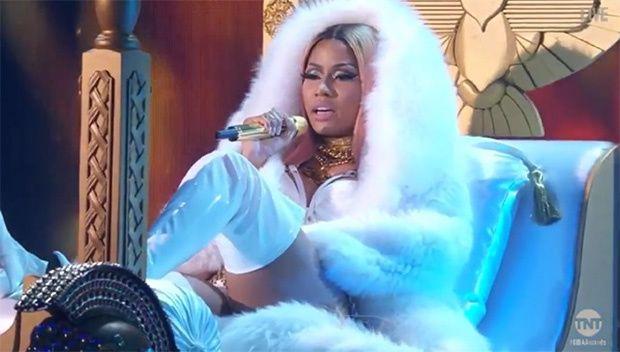 Nicki Minaj Claps Back At Remy Ma For BET Diss With NBA Awards Performance: #nickiminaj #remyma