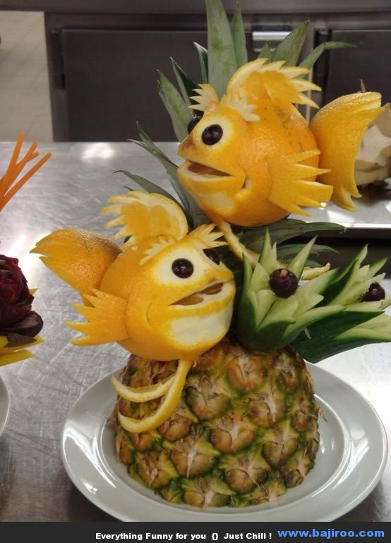 Awesome Collection of Funny Food Art (6 Photos) - Would look great in a fruit platter!