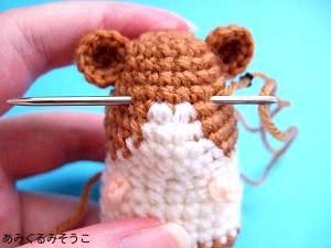 Tutorial How to Put Amigurumi Eyes ( Translated from Japanese Page) http://translate.google.com/translate?hl=es?sl=auto&tl=en&u=http%3A//amigurumisouko.web.fc2.com/hamu-amizu2.html ༺✿ƬⱤღ https://www.pinterest.com/teretegui/✿༻