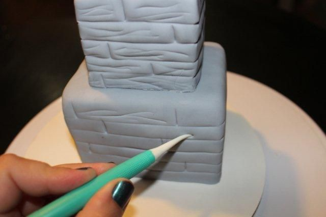Haunted house cake tutorial