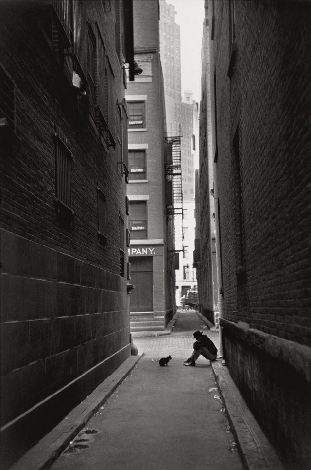 Henri Cartier-Bresson - Downtown Manhattan, New York 1947.