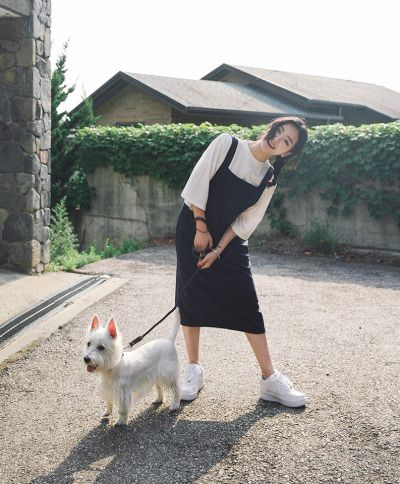 NOOO THIS OUTFIT IS PERFECT, EVEN THE DOG IS PERFECT // just wear this as it is (but to change things up a little, wear hair in bun for a holiday vibe)