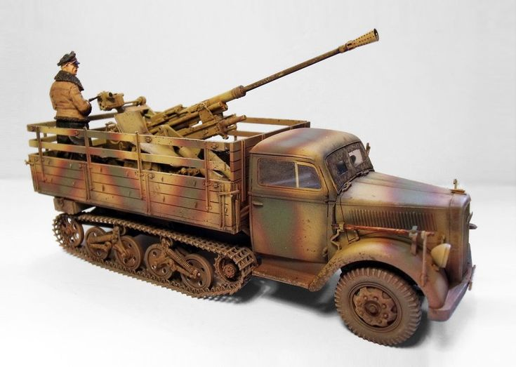 TRACK-LINK / Gallery / Opel Maultier with 3.7cm Flak