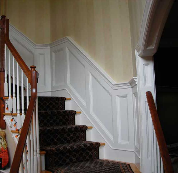 Best 25 Stairway Wall Decorating Ideas On Pinterest: Best 25+ Wainscoting Stairs Ideas On Pinterest