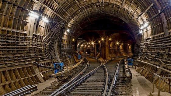 Две новые станции метро на Киевском шоссе откроют уже в январе.
