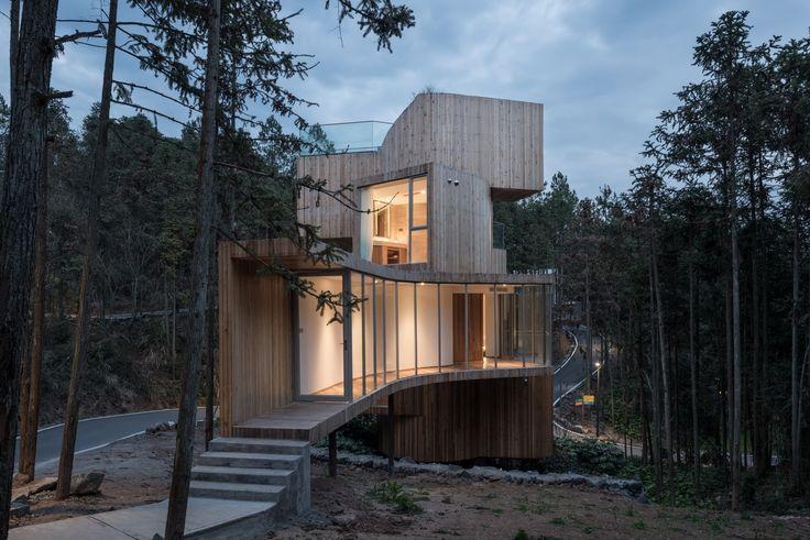 Qiyunshan Tree House  by  Bengo Studio - China