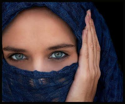In Saudi Arabia prohibit seductive looks: Sleep Beautiful, The Woman, Head Covers, Blue Eye, Beautiful Shots, Fashion Pictures, Green Eye, Beautiful Eye, Deep Blue