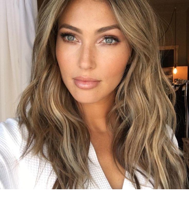 Light blonde hair tone and blue eyes | Inspiring Ladies