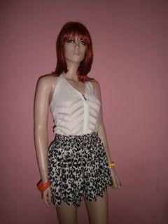 """VINTAGE DRESS-UP""                                                 HAINE DE FIRMA, HAINE DE DAMA: Black & white, fusta ""DIVIDED"", made in UK-vanduta..."