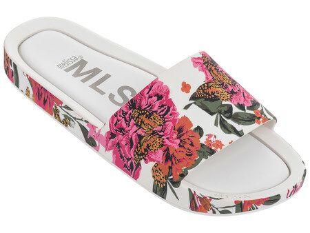 Confira este e todos os outros produtos da coleção Preview que estão aguardando por você na Loja Melissa Oficial!