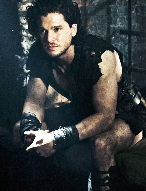 Kit Harington in film Pompeii