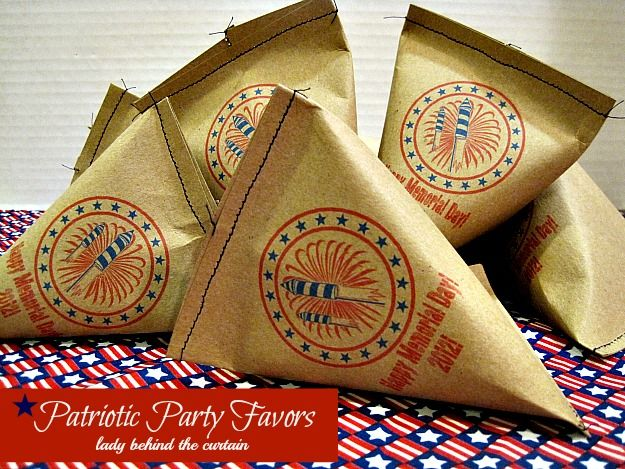 Patriotic Party Favors - easy to make and be filled with anything! #4thofJuly #party #favors
