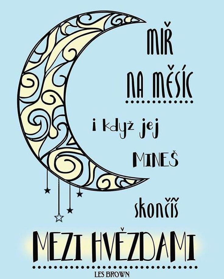 Je lepší mířit ke hvězdám a minout, než mířit na kupu hnoje a trefit se. 😛 Příjemný nedělní večer. 🌛☕ #sloktepo #motivacni #hrnky #miluji #kafe #citaty #zivot #mujzivot #mojevolba #darek #domov #dokonalost #stesti #laska #pozitivnimysleni #dobranalada #rodina #inspirace #nakupy #praha #czechboy #czechgirl #czech