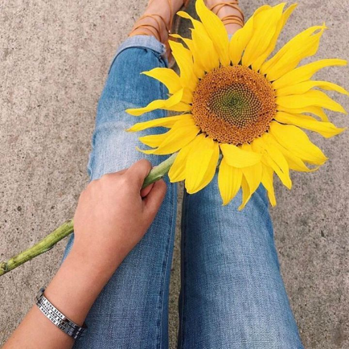 Our mantra bracelets will cheer up anyone's day. Shop these lil cuties in store or online. They make the perfect gift! 🌻 photo via @mantraband