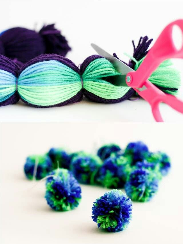 make many mini pompons