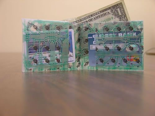make a wallet out of an old keyboard!