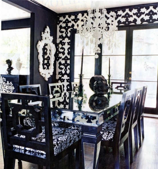 Damask dining room: Dining Rooms, Dining Area, Dreams Houses, Hollywood Glamour, Black And White, White Decor, Black White, Nicki Hilton, Black Wall