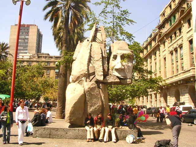monumento en la plaza de armas en #santiago de chile