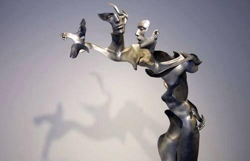 Пекинское трио скульпторов Unmask Group, в состав которого входят скульпторы Liu Zhan, Kuang Jun и Tan Tianwei, создали проект Flash Memory. Авторы показывают зрителям свои неоконченные скульптуры из листовой полированной стали и мрамора. Авторы по-новому смотрят на человеческое тело, под другим углом раскрывая его красоту. Pin❤️Me  Follow us: fb.me/aboveart.ru  instagram.com/above.art.ru  twitter.com/aboveart_ru  vk.com/aboveart  ok.ru/aboveart