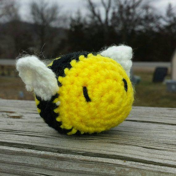 cute plush mini amigurumi bumblebee toy