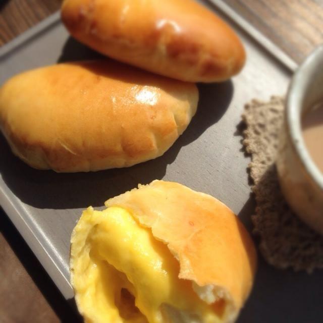 カスタードクリームパン  子供達のリクエストで。  そーいえば、今まで作ったことなかったな  シンプルやけどテッパンやね - 160件のもぐもぐ - クリームパン by つかしん