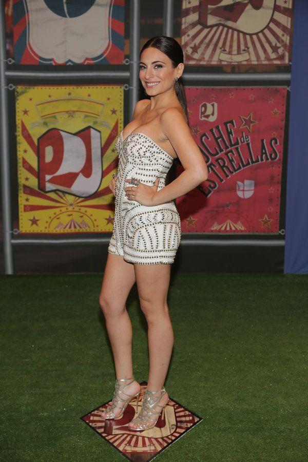 Ana Brenda Contreras muestra mucha pierna - Yahoo Celebridades En Español