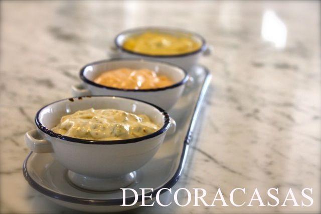 Três molhos para fondue: alcaparras, rose e quatro queijos. São fáceis de fazer e agradam qualquer paladar. Confira a receita completa e os ingredientes estão detalhados no texto de Flávia Ferrari.