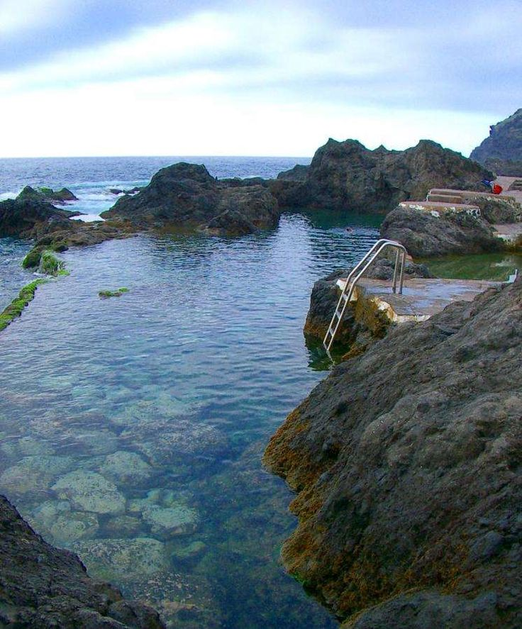 Las 25 mejores ideas sobre formas de piscina en pinterest for Piscinas naturales argentina