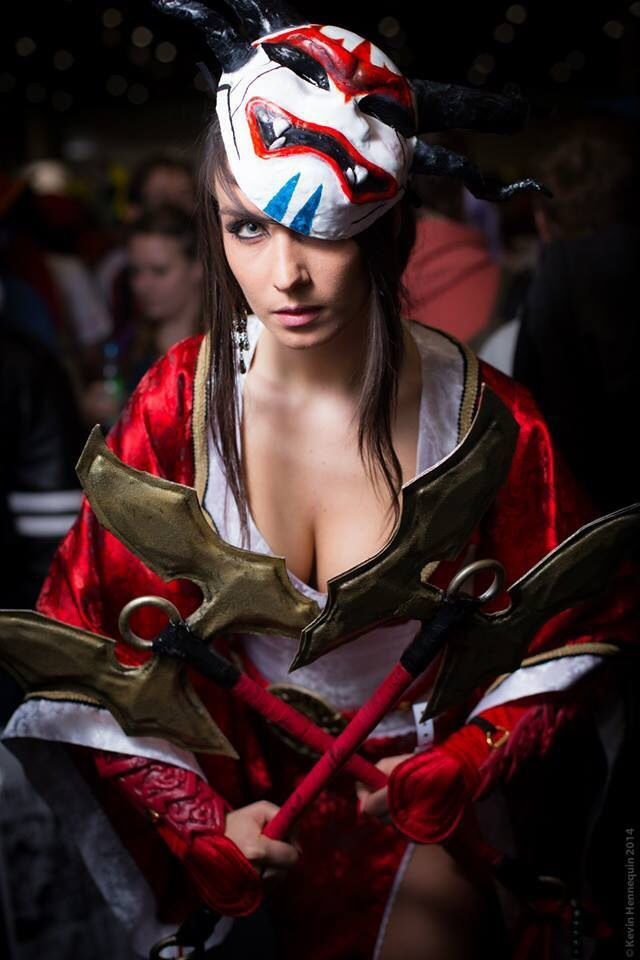 Blood Moon Akali Cosplay - League of Legends by Giulietta Zawadzki