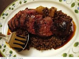 Gourmet Food Lovers: BEEF WITH LENTILS | ΜΟΣΧΑΡΑΚΙ ΜΕ ΦΑΚΕΣ