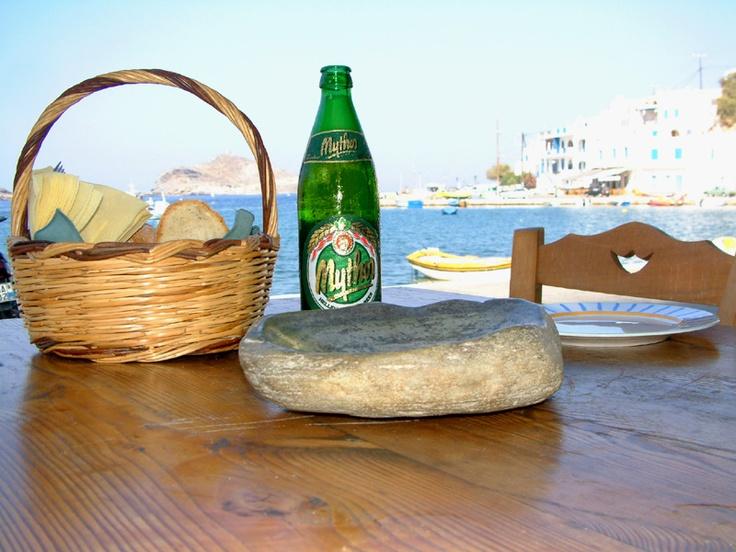 Een koude bira (bier in het Grieks) gaat er vast wel in. Mythos bier is het biertje dat we er volop zullen drinken.