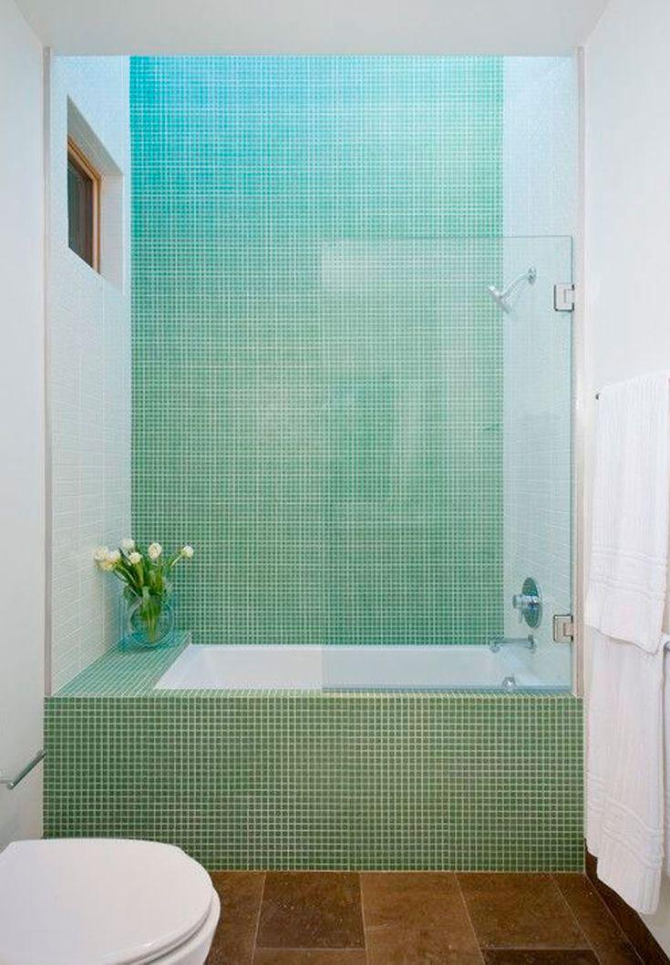 Lille badeværelse | Badekar i 8 små badeværelser | Boligmagasinet.dk