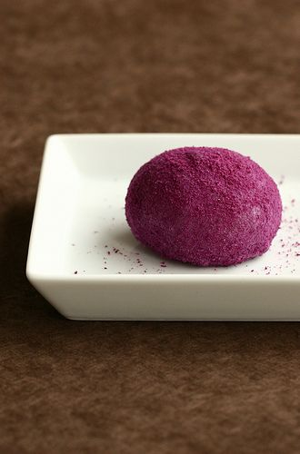 Autumn Simple Daifuku Daifuku is a Japanese confection consisting of a small round glutinous rice cake stuffed with sweet filling.